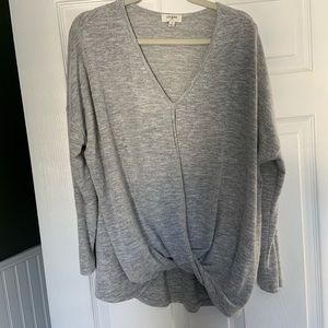 Umgee USA Light Gray Top. Size Small